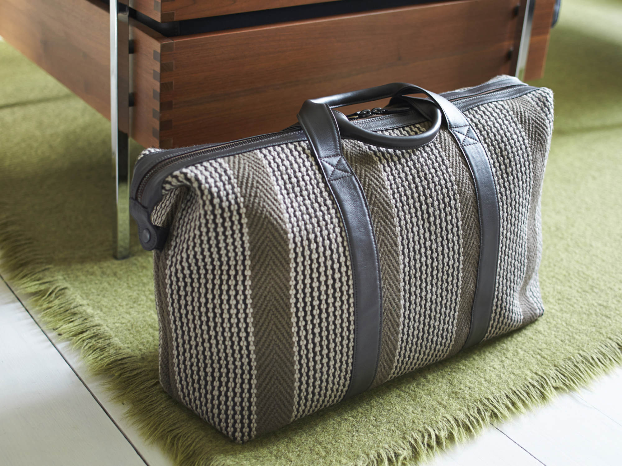 Lyon Ebony Travel Bag